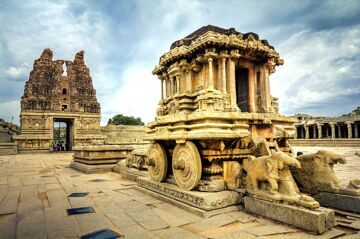 Iconic_Stone_Chariot_@_Vittala_Temple,_Hampi,_Karnataka