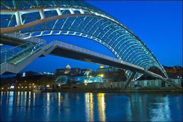 мост мира в тбилиси туры в грузию